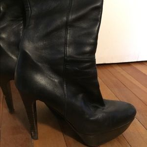 CLEARANCE Stuart Weitzman Tall Leather Boots